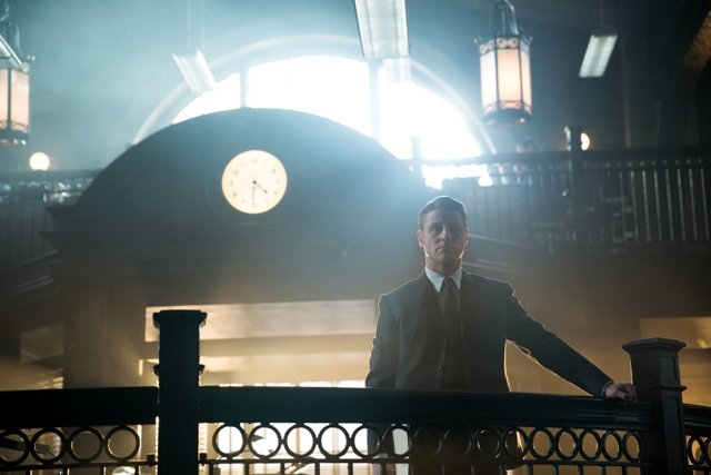 GOTHAM: Benjamin McKenzie (Gordon) appears in the ?Beasts of Prey? episode of GOTHAM airing Monday, April 13 (8:00-9:00 PM ET/PT) on FOX. ©2015 Fox Broadcasting Co. Cr: Jessica Miglio/FOX