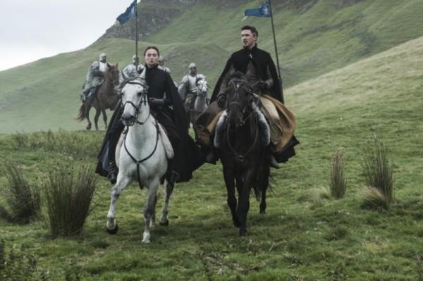 Sansa-and-LIttlefinger-Official-HBO-810x539-800x532