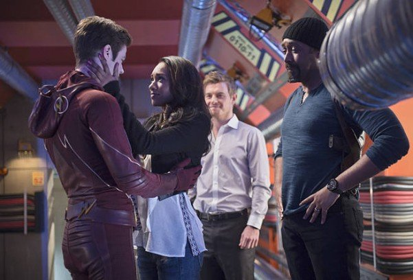 The Flash - Fast Enough - Barry and Iris