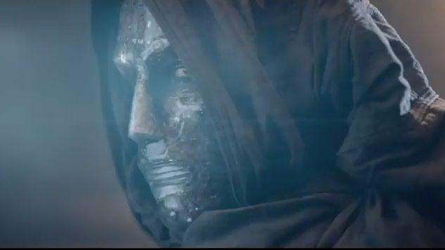 new-fantastic-four-trailer-shows-doom-human-torch_sm14.640