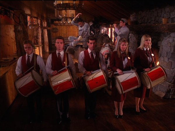 TwinPeaks_S02E15_Drums