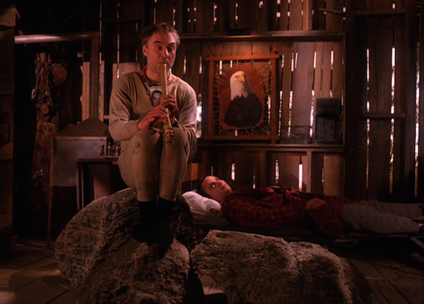 TwinPeaks_S02E15_EarleLeo