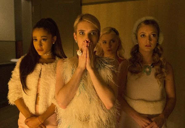 ScreamQueensS1Ep1-C