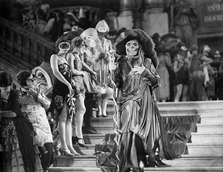 The-Phantom-of-the-Opera-Still-4
