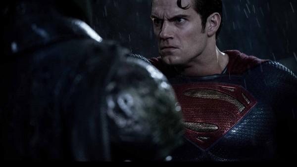 batman-v-superman-dawn-of-justice-henry-cavill-600x338