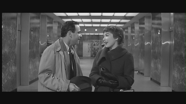 Shirley-in-The-Apartment-shirley-maclaine-5245902-1280-720