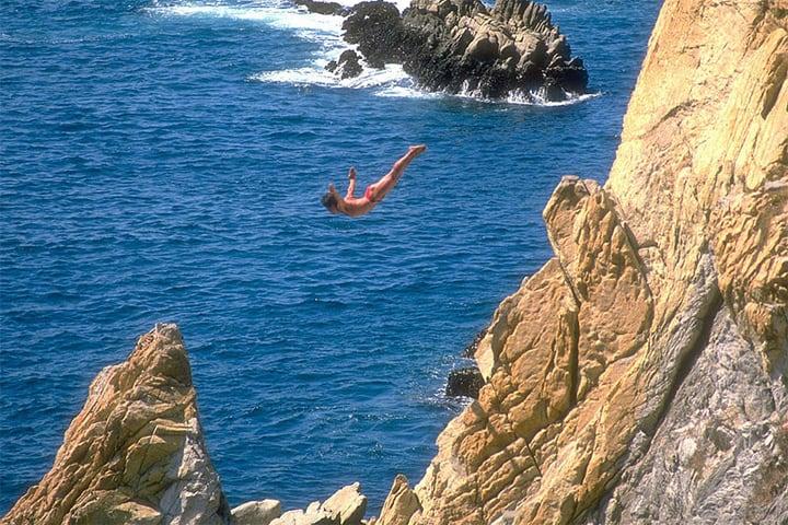 John Tobler – 100 feet, Acapulco Cliffs