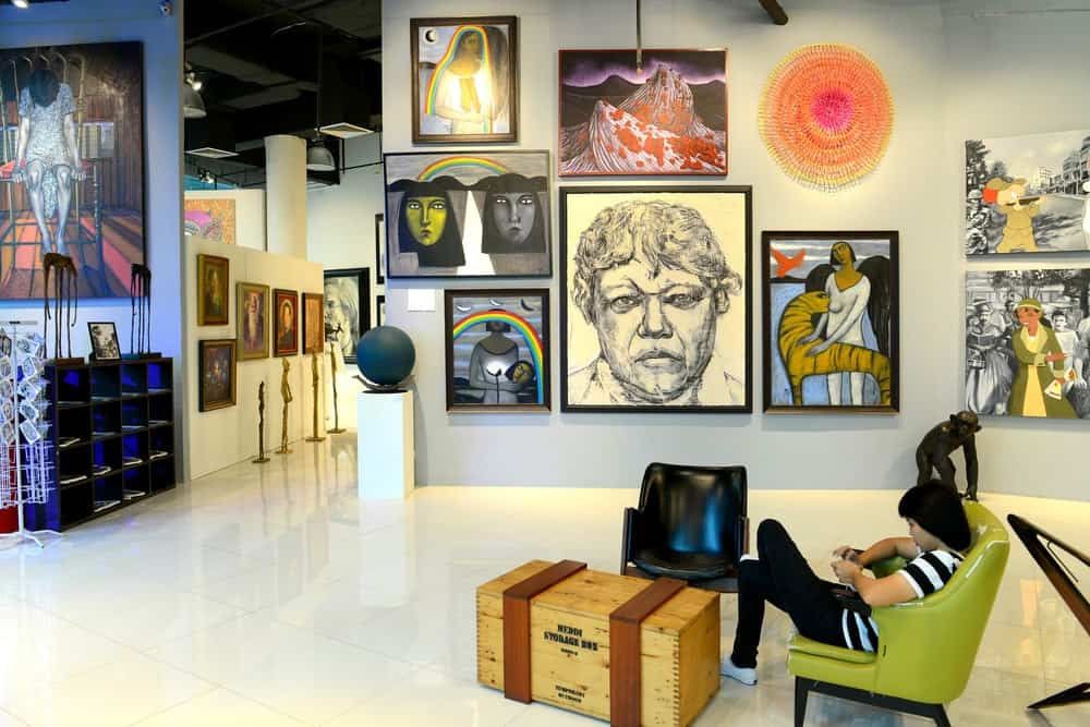 Art collection as an expensive hobby
