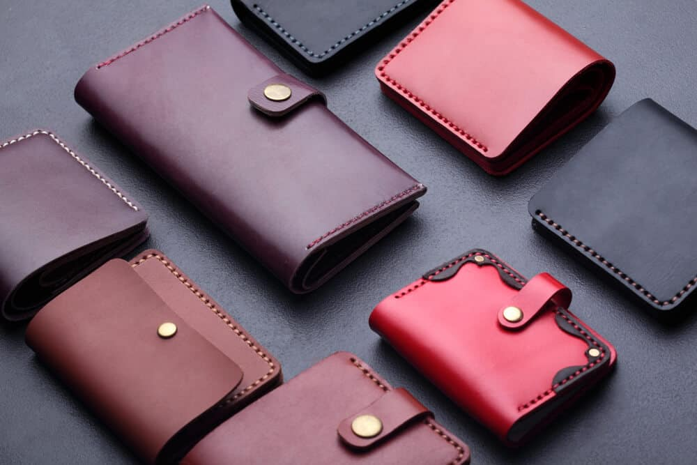 different sizes Pre owned deferent brand Women wallet Different style