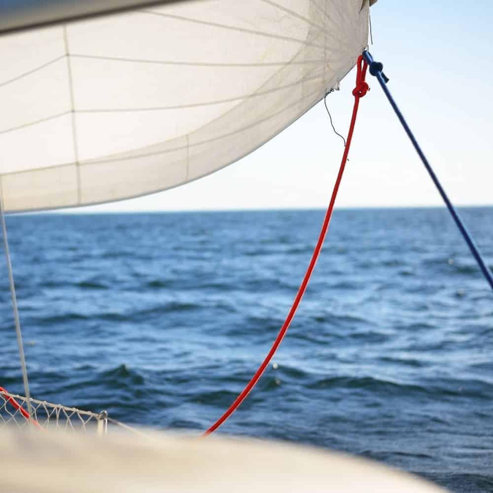 Sail head