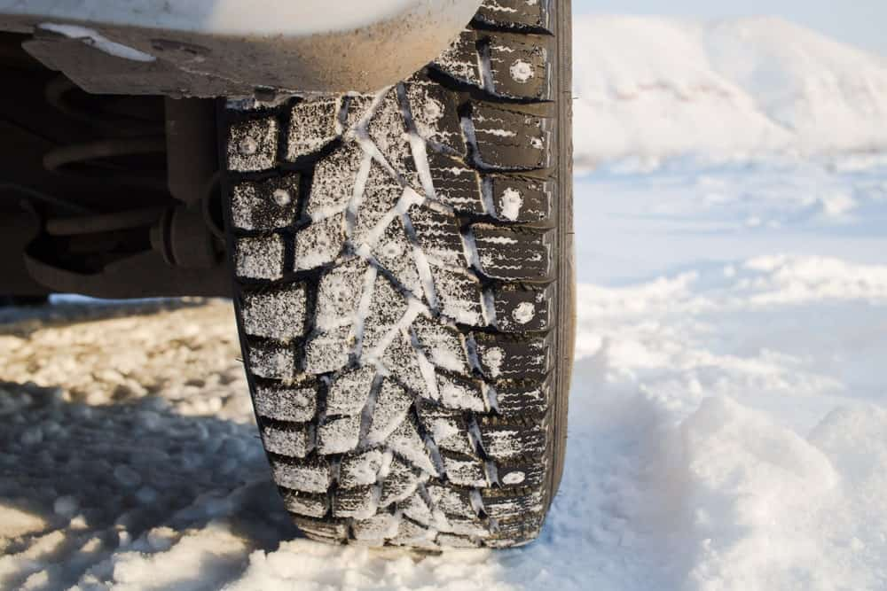 Studded snow tire