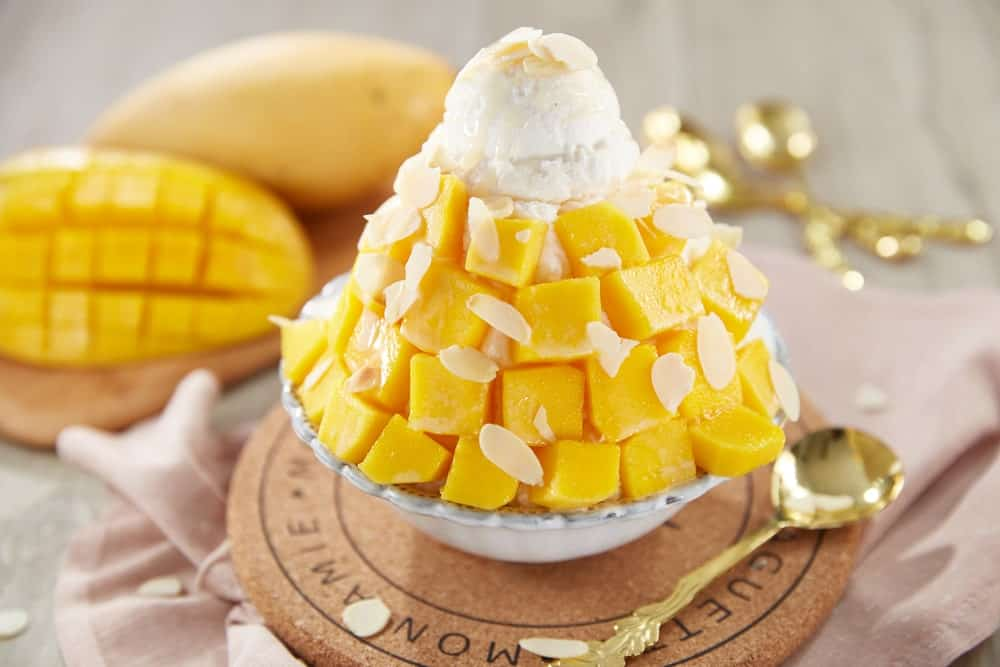 Mango-flavored bingsu on a bowl.