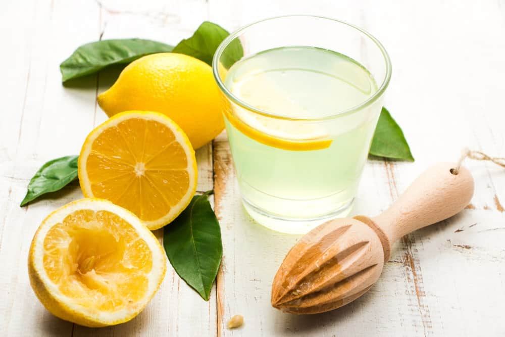 Lemon juice to naturally lighten your hair