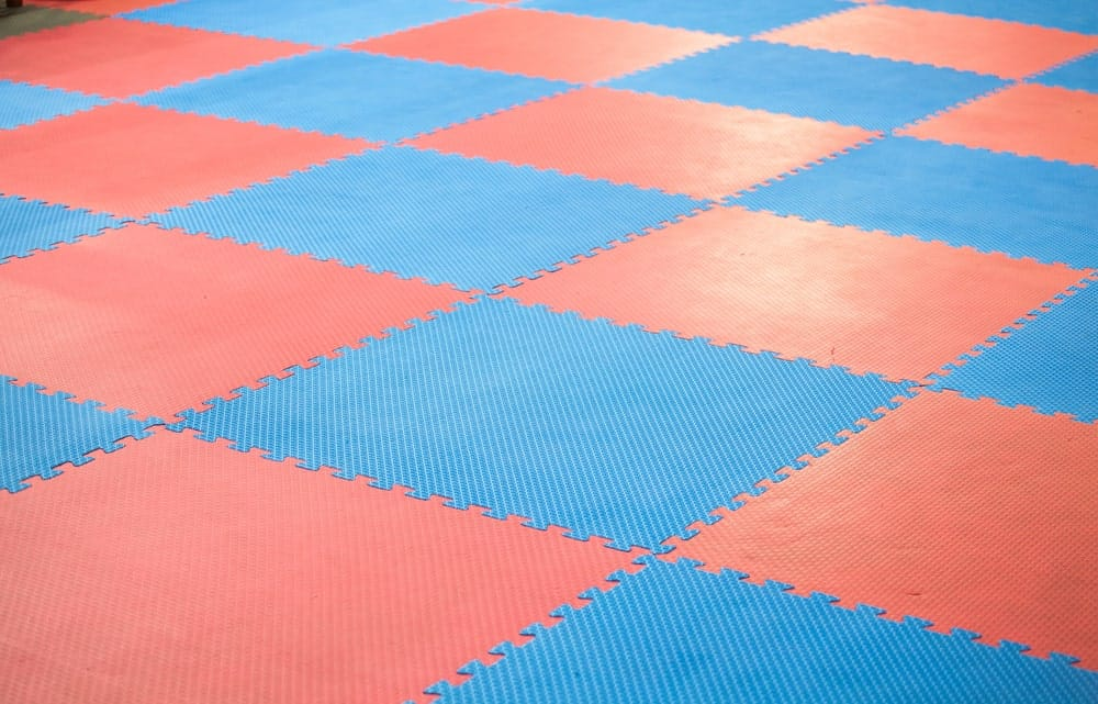 Pink and blue square rubber floor mat