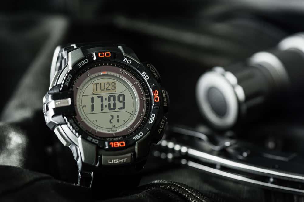 Digital wristwatch for men