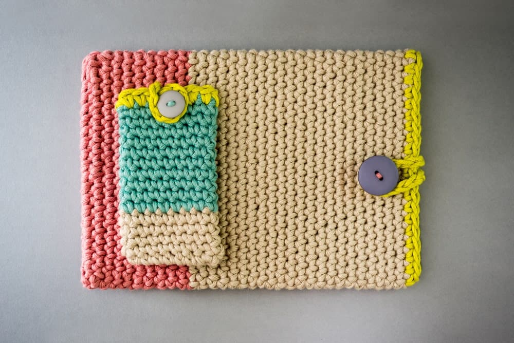 Beautiful crochet cover for tablet