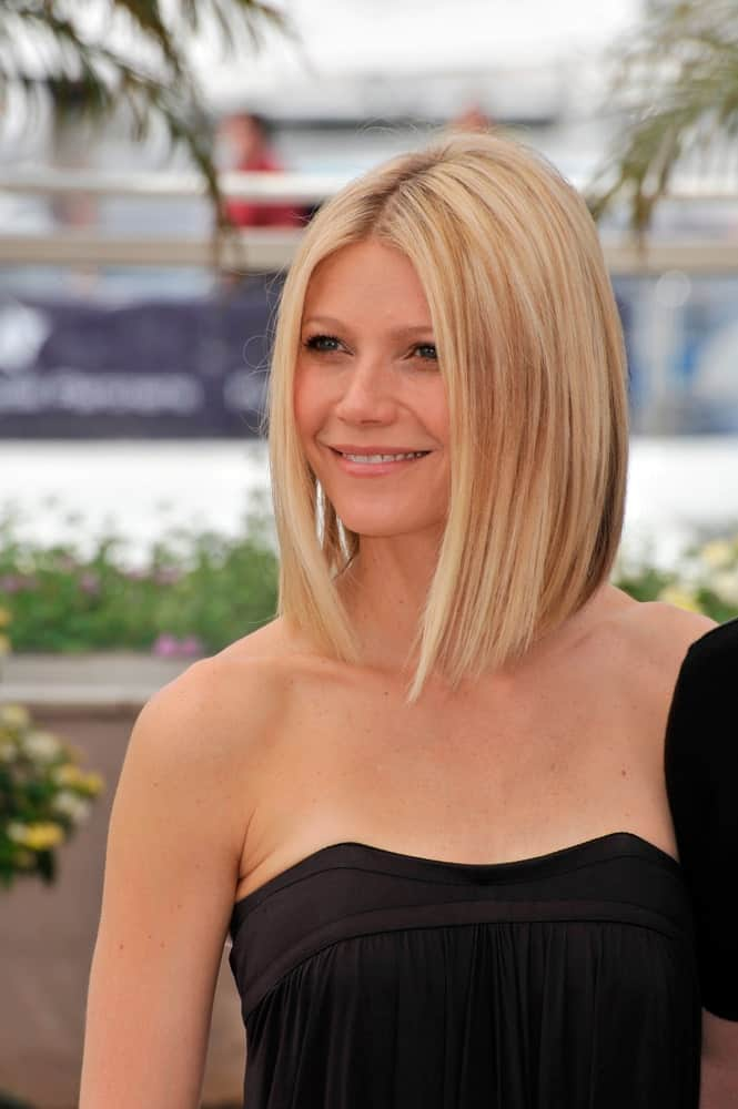 Gwyneth Paltrow Wearing a Stunning Black Dress
