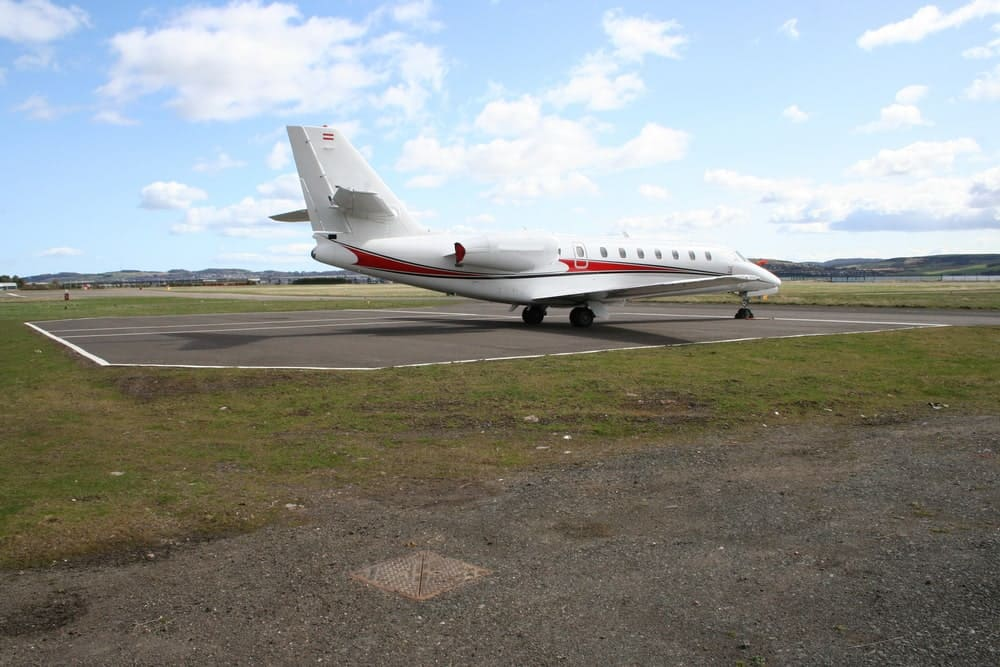 Mid size corporate jet