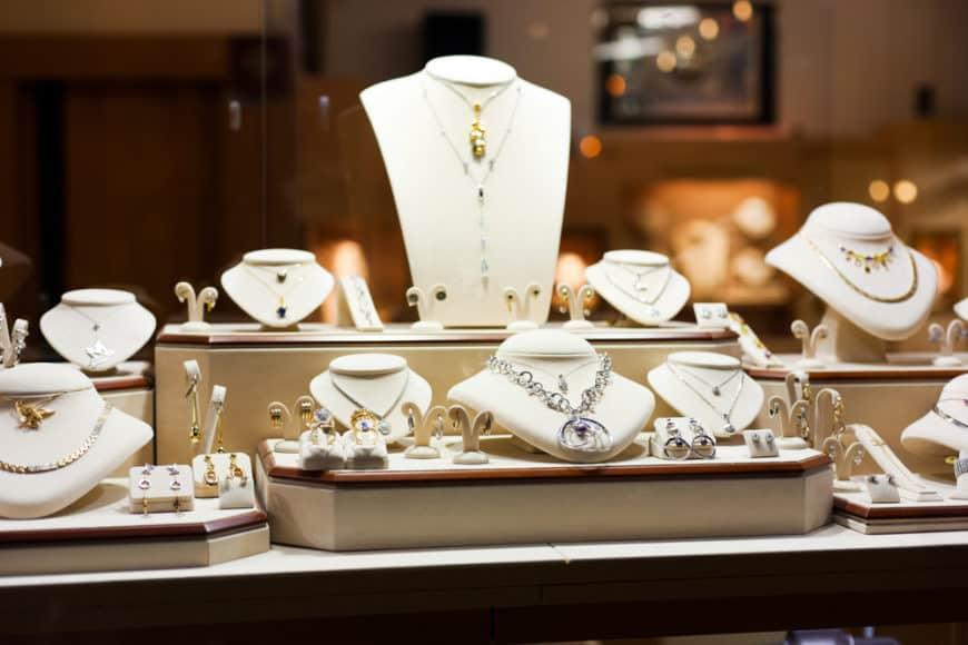 jewelry-store-feb042019-870x580.jpg