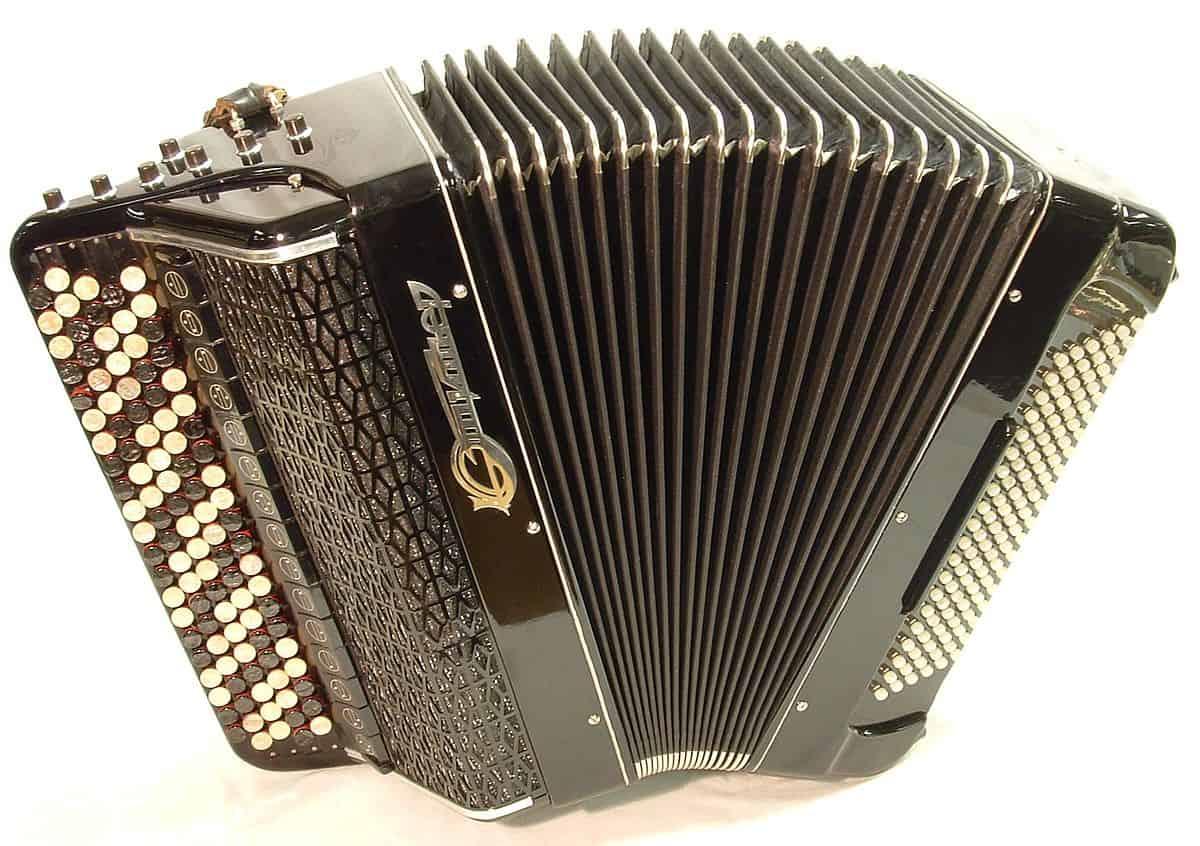 Bayan accordion