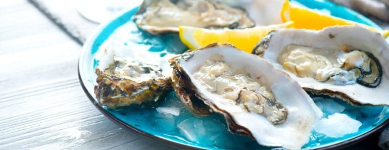 Oysters with Lemon Slices
