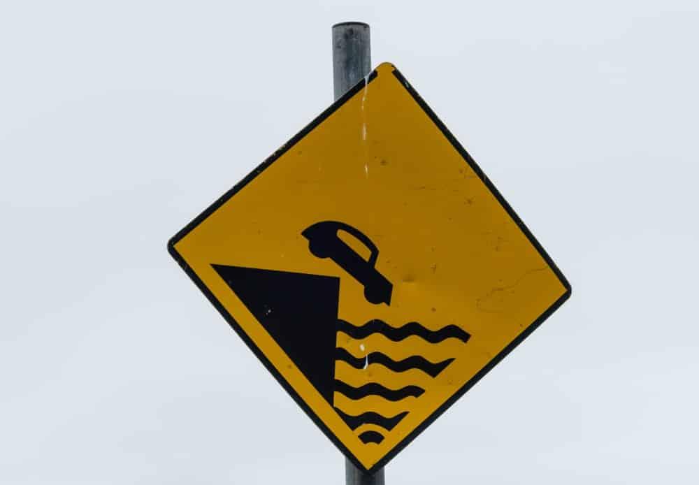Danger cliff sign.