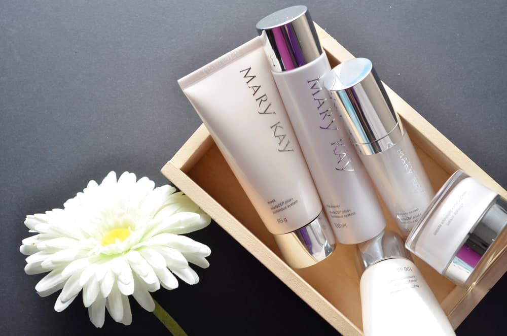 A variety of Mary Kay cleansing products.