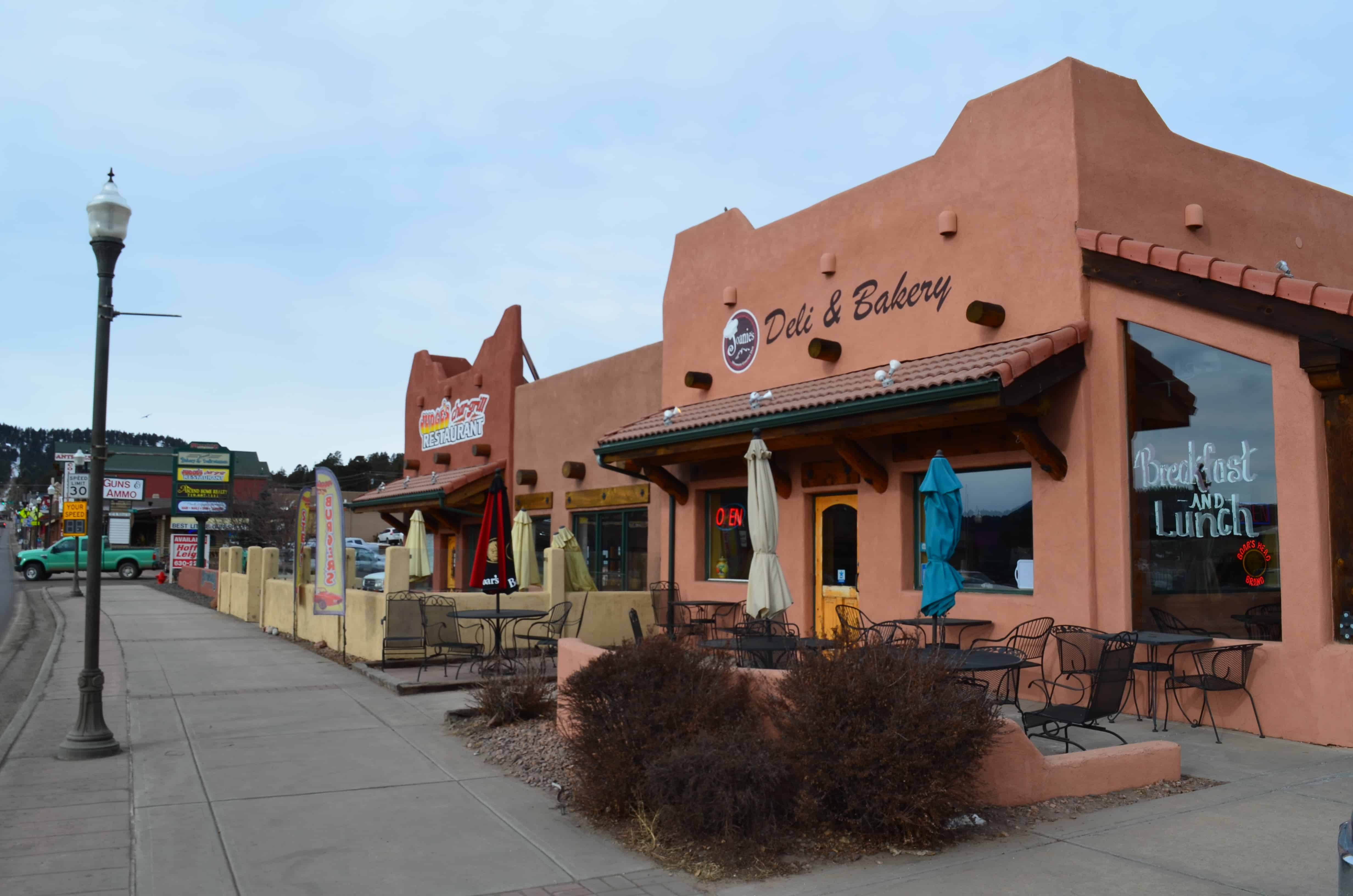 Joanie's Bakery and Delicatessen is the go-to restaurant of locals and tourists for breakfast and lunch. It is a popular choice because it is surrounded by several attractions in the Woodland Park.