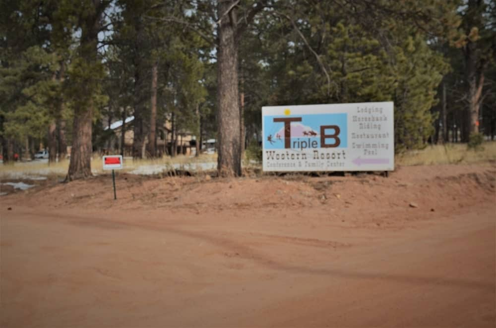 The Triple B Ranch is a classic western-style spot offering packages such as seven nights with breakfast, dinner and access to amenities like swimming pool, game room and horseback riding.