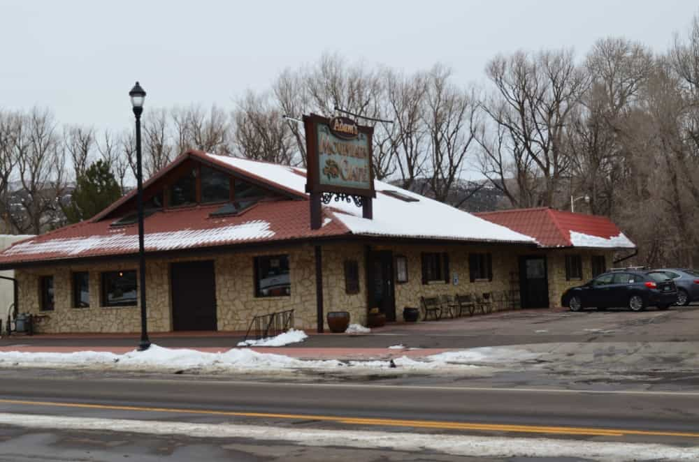 Adam's Mountain Cafe serves their food, which ingredients came from locally. It is an eco-friendly restaurant too that is serving vegan and vegetarian foods, along with traditional healthy entrées.
