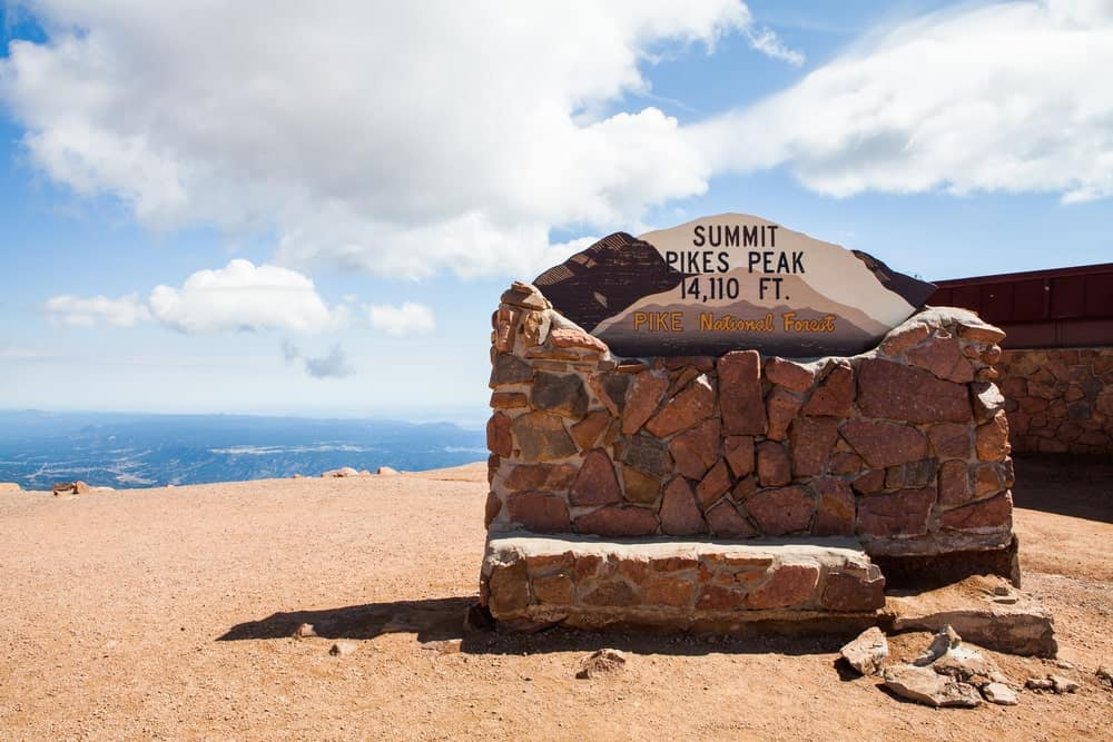 With 7,900 vertical feet, the Barr Trail is a proven challenging hike and is not recommended for beginners in hiking.