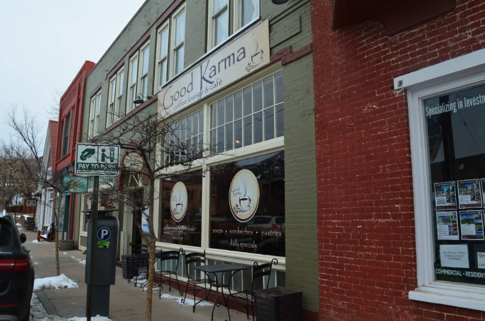 Good Karma Cafe completes the Manitou Springs with their breakfast and coffee. The atmosphere is very cozy and inviting, perfect for relaxing, reading books and meeting with some friends.