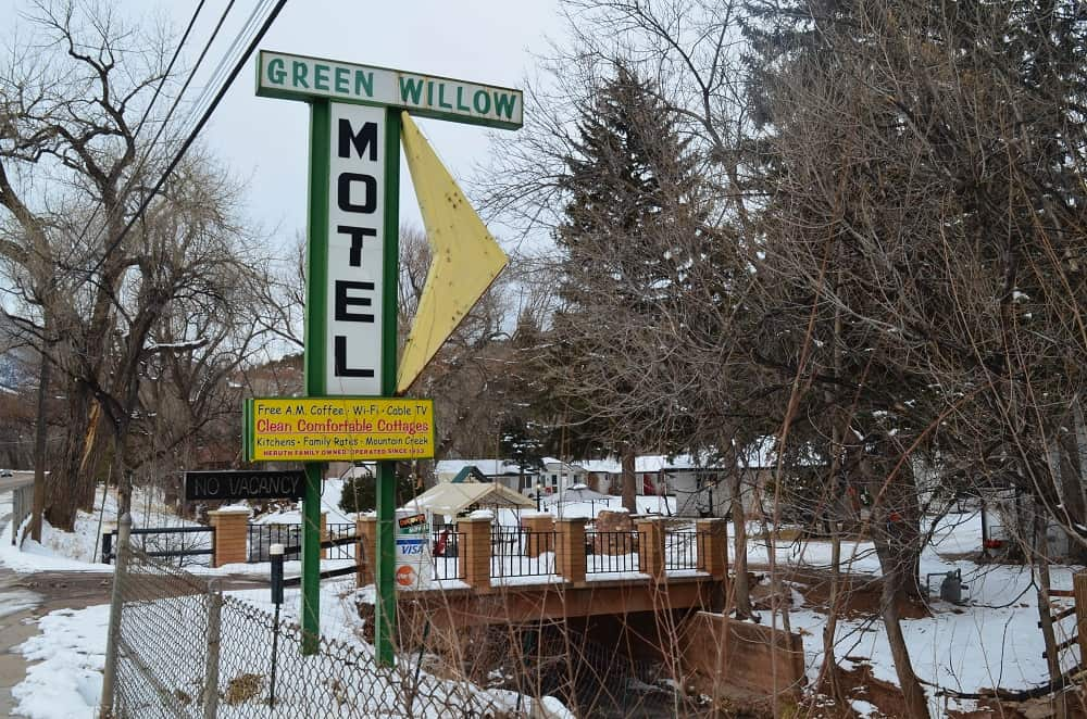 Green Willow Motel and Cottages
