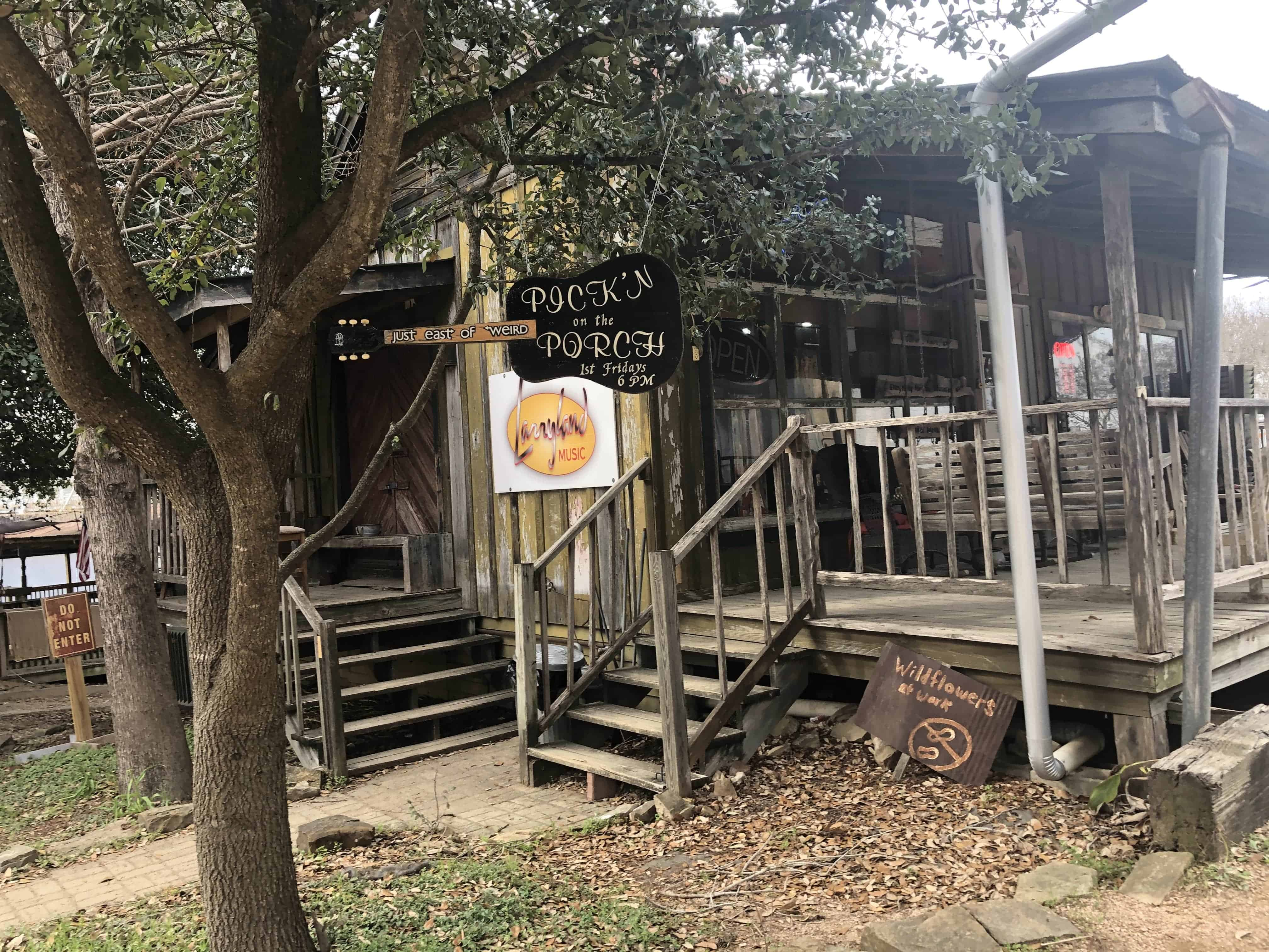 Experience the way how Texans enjoy life with the monthly gathering in The Yard, where locals gather around and play music, sing and dance, just enjoying each others' companies.