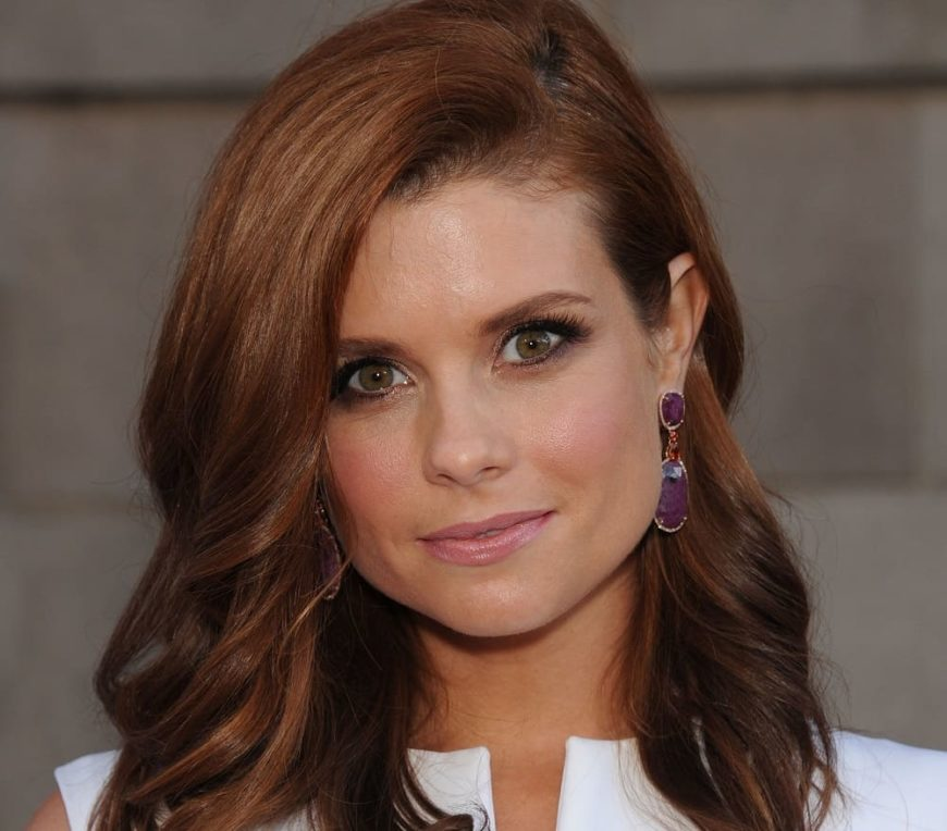 "Joanna Garcia Swisher attended the ""Once Upon A Time"" Season Premiere on September 21, 2014 in Hollywood, CA."