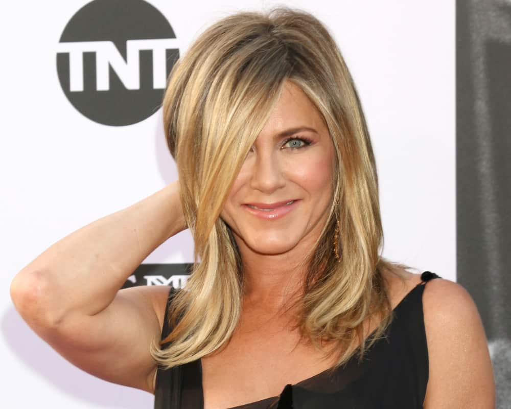 Jennifer Aniston at the American Film Institute Lifetime Achievement Award to George Clooney.