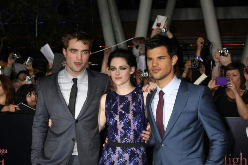 The cast of breaking dawn attended the premiere in LA.