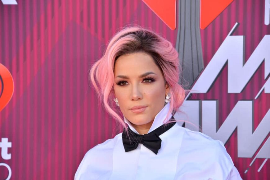 Halsey attended the 2019 iHeart Radio Music Awards.