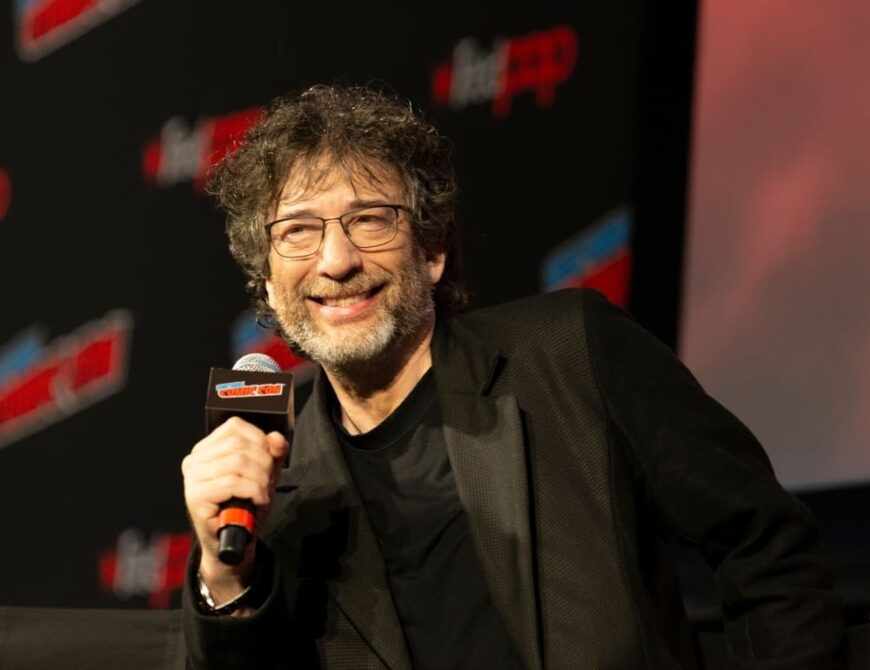 Neil Gaiman attended the 2018 Comic Con Good Omens Panel.